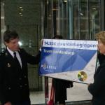 2007 aanbieden petitie minister Ter Horst